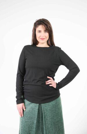 חולצת מגי שחורה